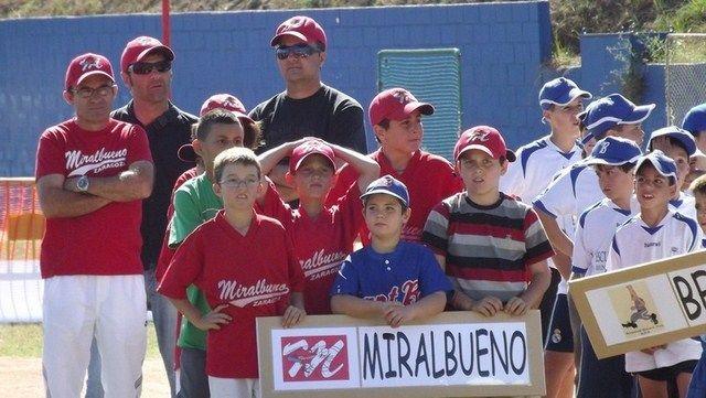 http://www.beisbolmiralbueno.es/wp-content/uploads/2011/10/B-25C3-25A9isbol-159-255B1024x768-255D-255B800x600-255D-255B640x480-255D.jpg