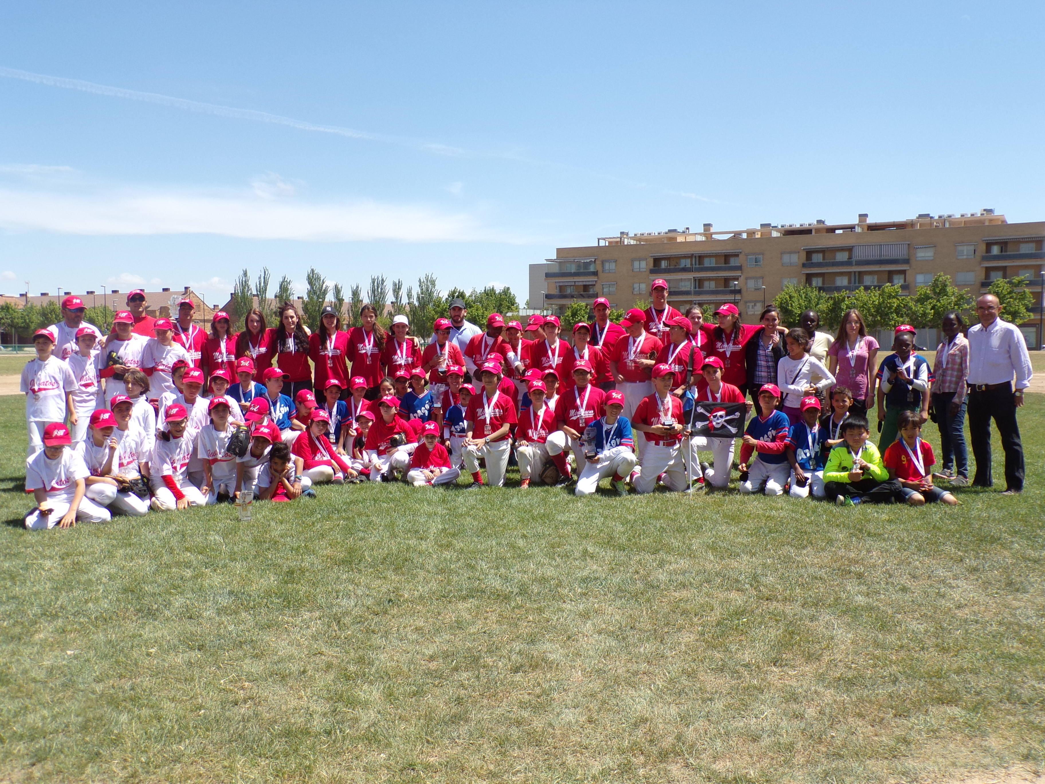 http://www.beisbolmiralbueno.es/wp-content/uploads/2015/05/Grupo.jpg